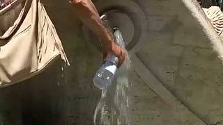 هل الحصول على الماء حق من حقوق الإنسان؟