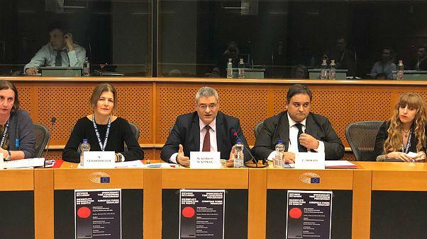 M.Kύρκος: «Τι είναι αλληλεγγύη;» - «Ελληνική Υπηρεσία Ασύλου: Καταρρίπτοντας μύθους»