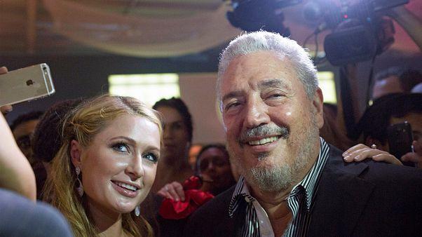 Fidelito posiert mit Paris Hilton bei einem Festival in Havanna, Kuba.