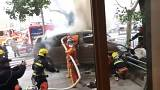 Фургон врезался в толпу в Шанхае