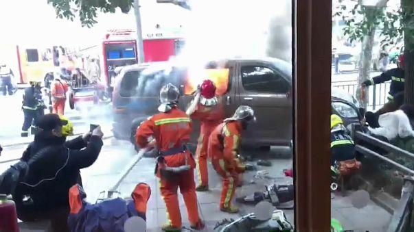 Una camioneta deja 18 heridos en Shanghái al irrumpir en la acera