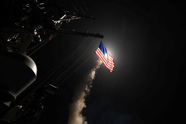 حمله هوایی ماه آوریل آمریکا به یک پایگاه هوایی رژیم سوریه