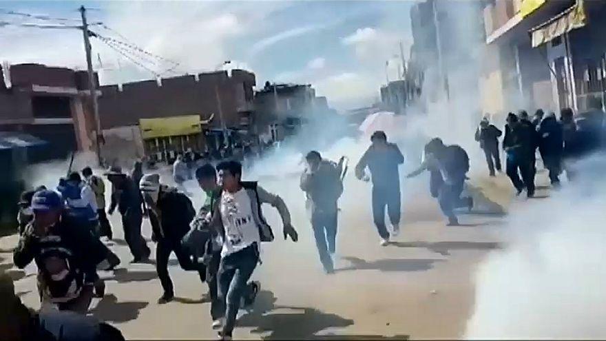 Dois mortos em confrontos no Peru