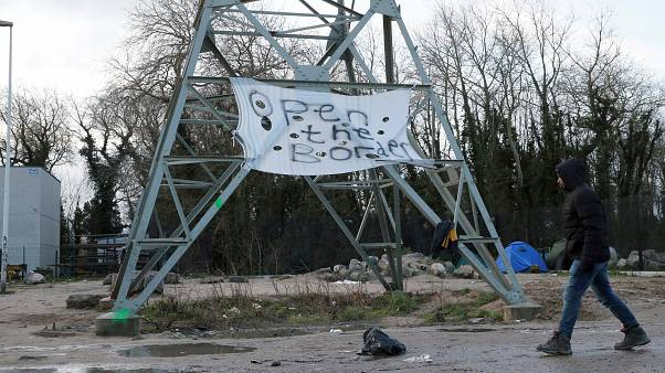 Γαλλία: Επεισόδια με μετανάστες στο Καλαί