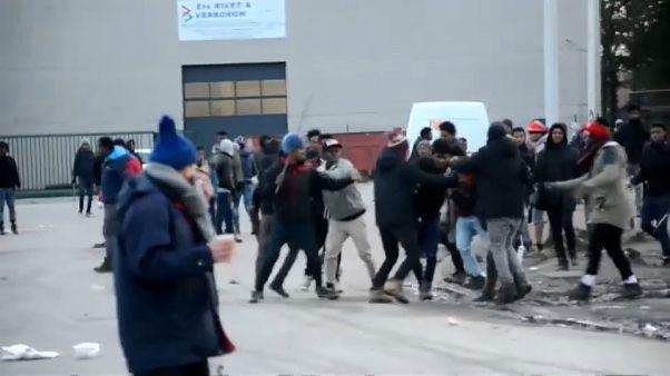 """Violences """"jamais vues"""" à Calais"""