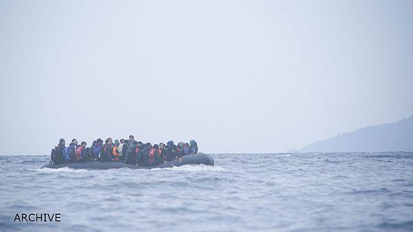 ناپدید شدن ۹۰ نفر در حادثه واژگون شدن قایق پناهجویان در مدیترانه