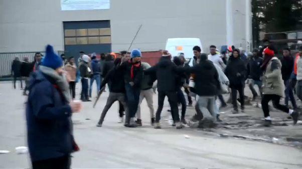 Francia toma medidas para evitar la violencia entre inmigrantes en Calais