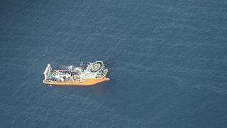 مقامات چین برای خروج سانچی از ته دریا  تردید دارند