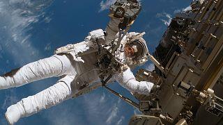 Spaziergänge im Weltraum für Touristen