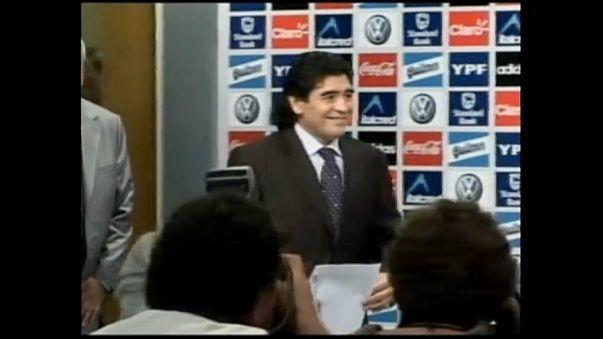Trump un pupazzo?  Niente visto a Maradona!