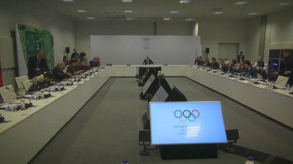Doping: Atletas russos à espera do convite do COI