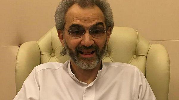 الأمير السعودي وليد بن طلال من داخل فندق ريتز كارلتون في الرياض