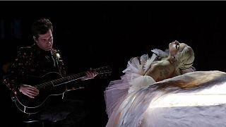 Lady Gaga megint lemondta az európai koncertjeit