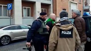Schießerei in Mittelitalien: mehrere Verletzte, Verdächtiger gefasst