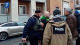 L'arresto di Luca Traini, avvolto nel tricolore