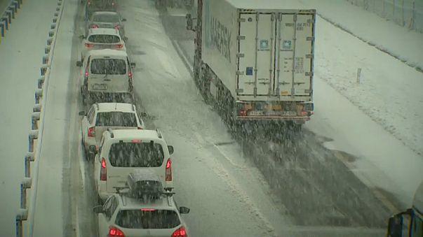 Balkanlarda yoğun kar yağışı
