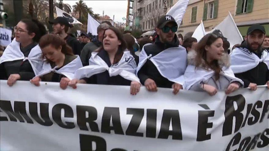 Korsika'da demokrasi eylemi