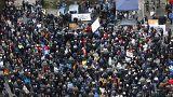 Almanya'da göçmenlerle ilgili iki farklı eylem