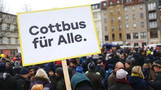 Cottbus divide-se em manifestações sobre os imigrantes