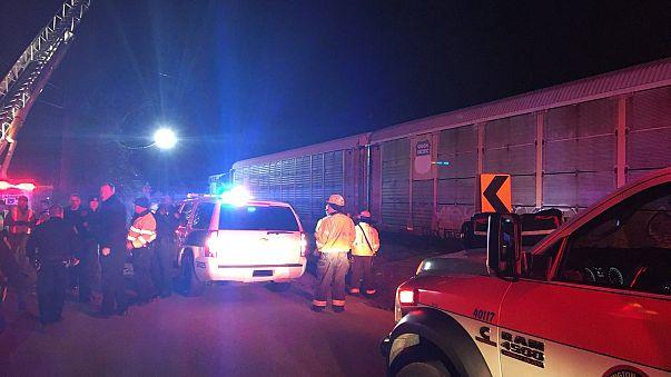 Al menos dos muertos y 70 heridos en un choque de trenes en Carolina del Sur