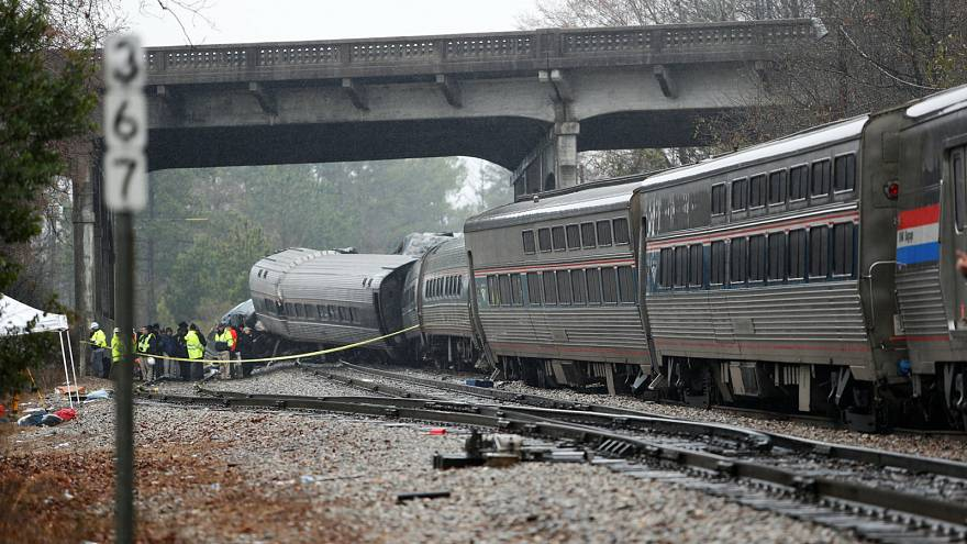 At least two dead and over 100 injured in US train crash