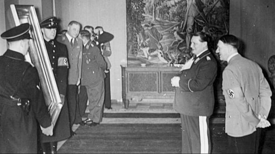 نمایش تابلوهای غارت شده توسط نازیها در موزه لوور فرانسه