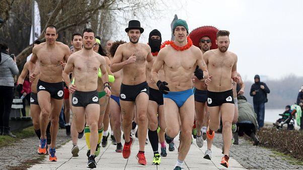 جانب من سباق بلغراد بالملابس الداخلية