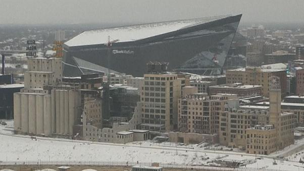 Fans brave the cold for Superbowl