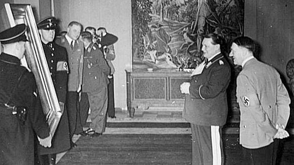اللوفر يعرض أعمالا فنية نهبها النازيون أملا في العثور على أصحابها الأصليين
