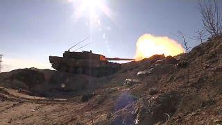 Bombázások a török-szír határ mindkét oldalán