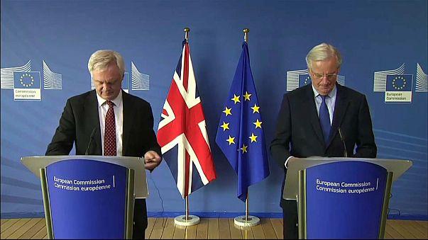 Brexit: Michel Barnier a Londra per un incontro con David Davis