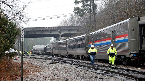 South Carolina: scontro tra treni, due morti e oltre cento feriti