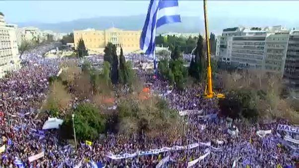 Népszavazást akarnak az athéni tüntetők