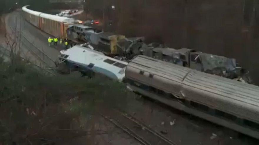 Halálos áldozata is van az amerikai vonatbalesetnek