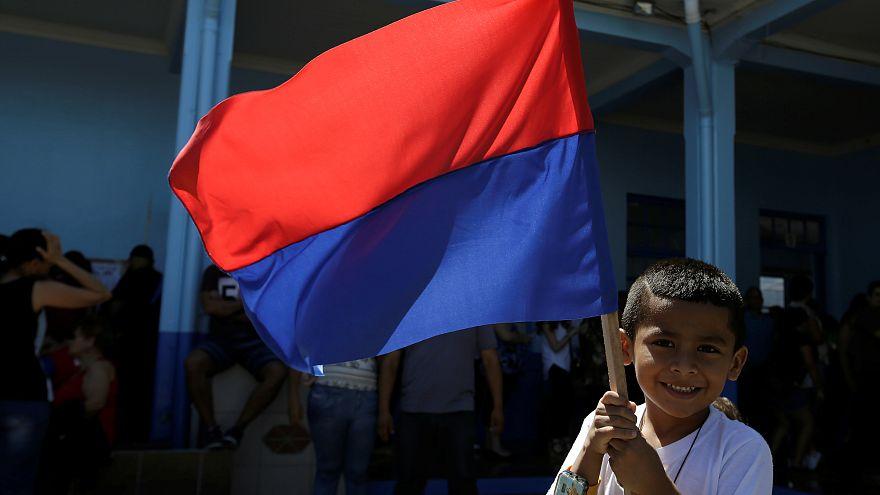 Costa Rica elige nuevo presidente
