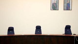 Die Plätze, auf denen die Richter am Montag platznehmen werden.