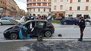 Macerata: un video mostra Traini fermare l'auto e sparare