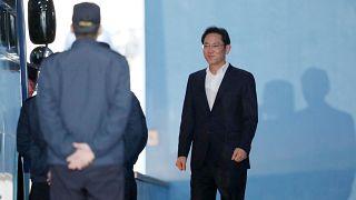 Ν.Κορέα: Ελεύθερος ο κληρονόμος του ομίλου Samsung Τζέι Λι