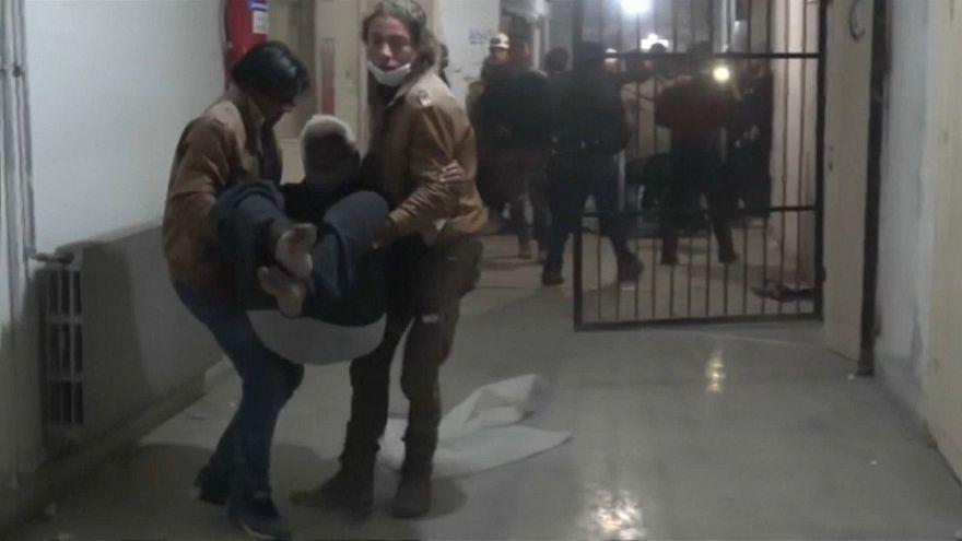 Evacuazione di un ospedale colpito nei bombardamenti russi in Siria
