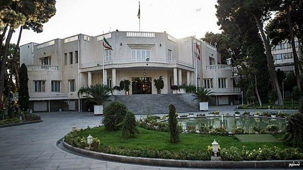 حمله فردی با سلاح سرد به نهاد ریاست جمهوری در تهران