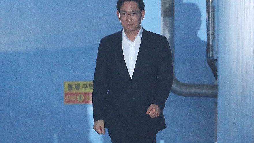 El heredero de Samsung queda en libertad