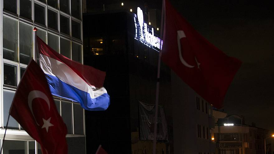 Hollanda, Türkiye büyükelçisini geri çekti