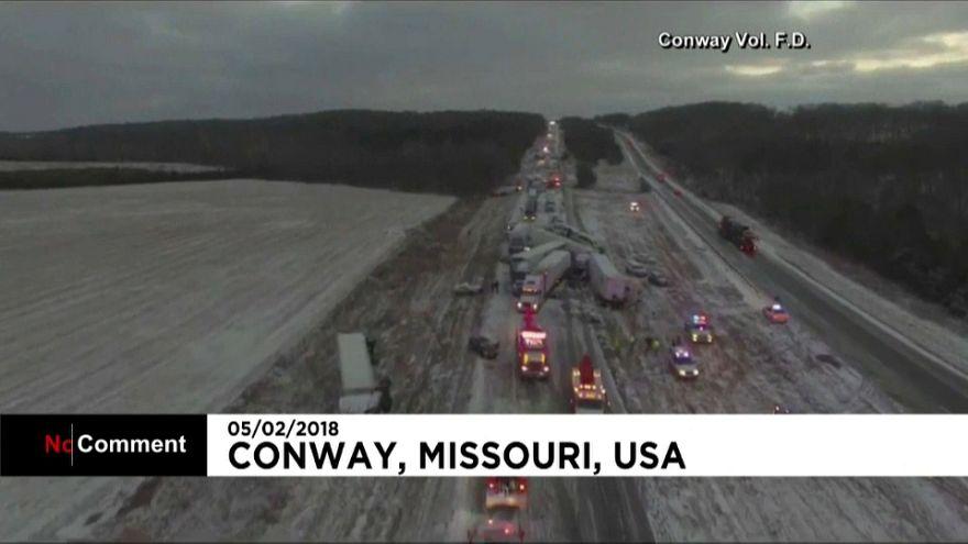 USA: Winterwetter legt Autobahn lahm