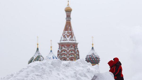 Neve nella Piazza Rossa di Mosca