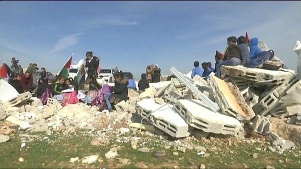 Бедуинскую школу превратили в руины