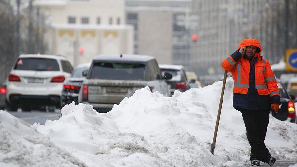 Москва оправляется от последствий мощного снегопада