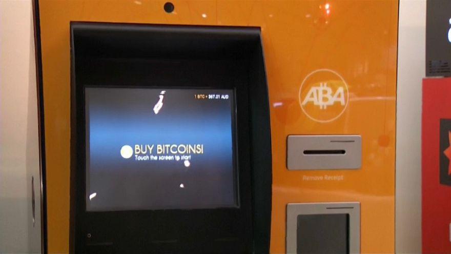 Lloyds prohíbe comprar bitcoines con sus tarjetas
