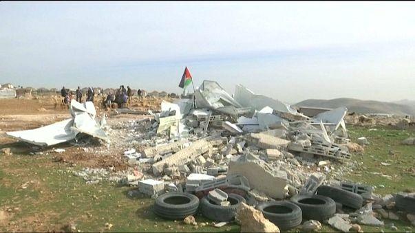 Israel reduz a escombros escolas financiadas pela União Europeia