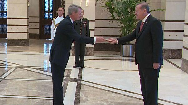 Hollanda Ankara büyükelçisini geri çekti