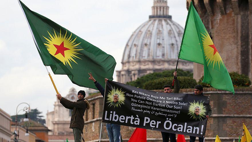 Protestas en Roma contra la visita del presidente turco Erdogan al papa Francisco